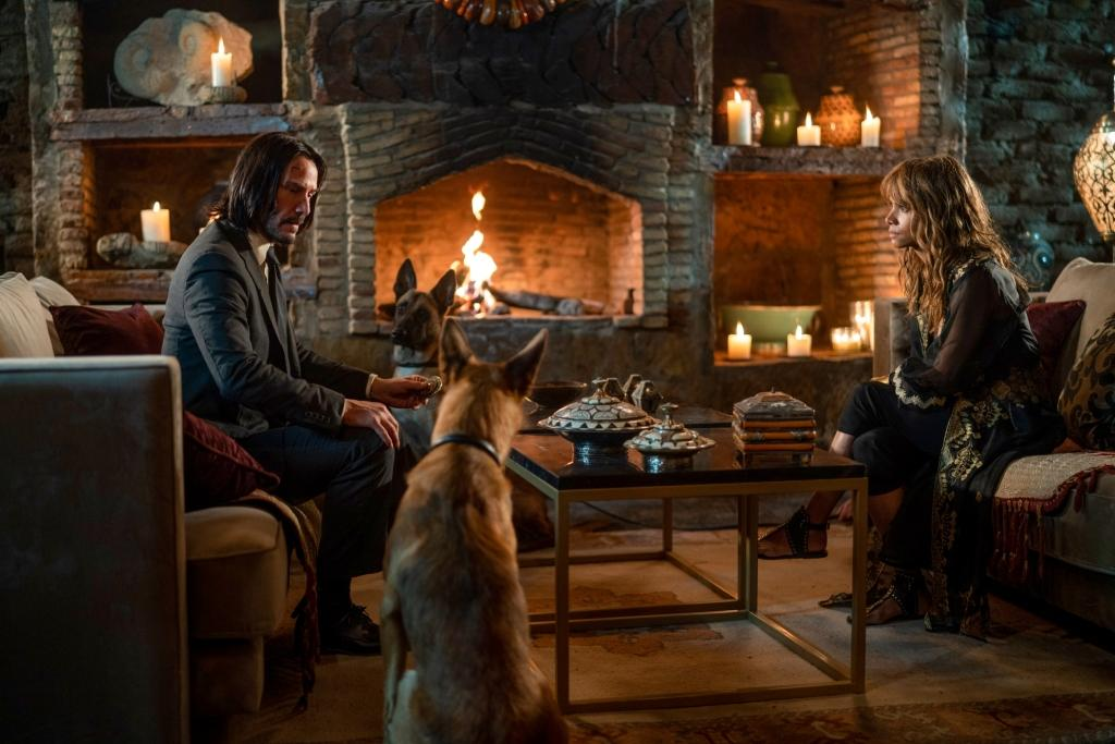John (Keanu Reeves) and Sofia (Halle Berry) in JOHN WICK 3: CHAPTER 3 PARABELLUM.