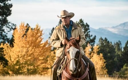Kevin Costner è John Dutton in YELLOWSTONE